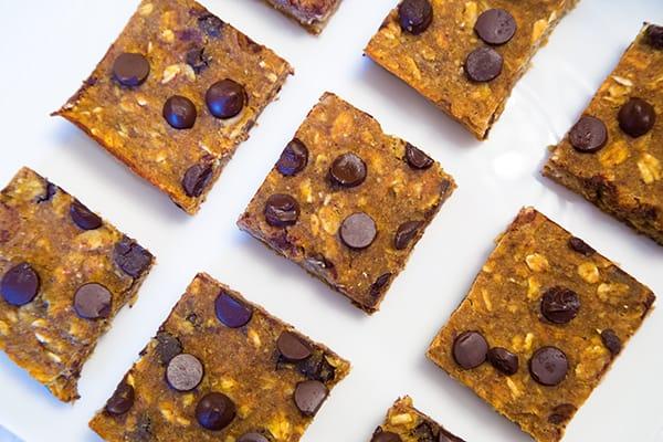 Pumpkin Chocolate Chip Oat Bars! Refined sugar-free, Vegan, Oil-Free!