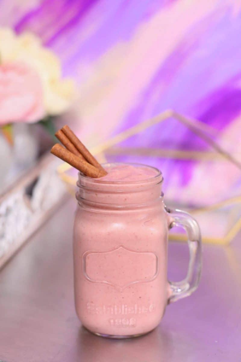 strawberry rhubarb smoothie