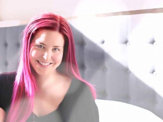 ashley diana lifestyle influencer morning routine producitivity instagram coach